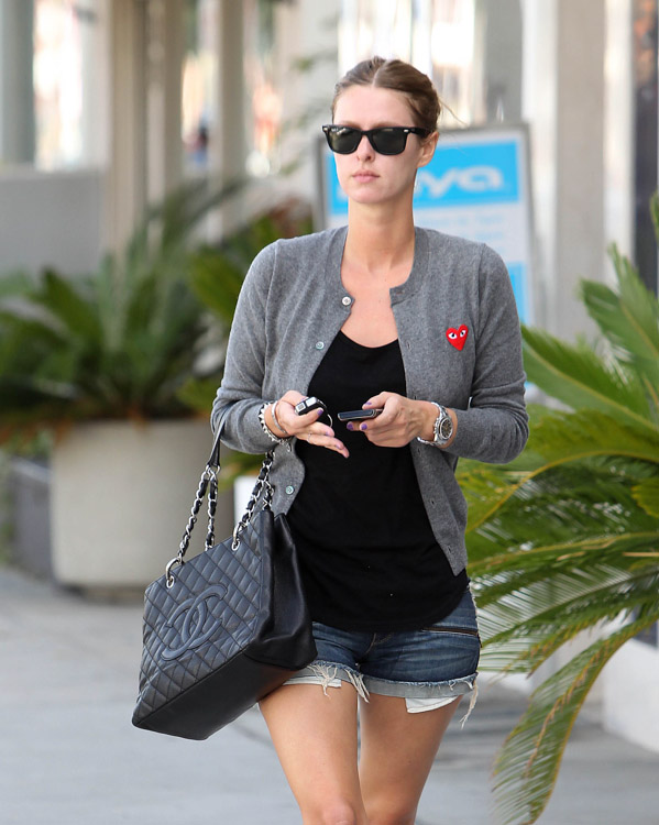 The Many Bags of Nicky Hilton-30