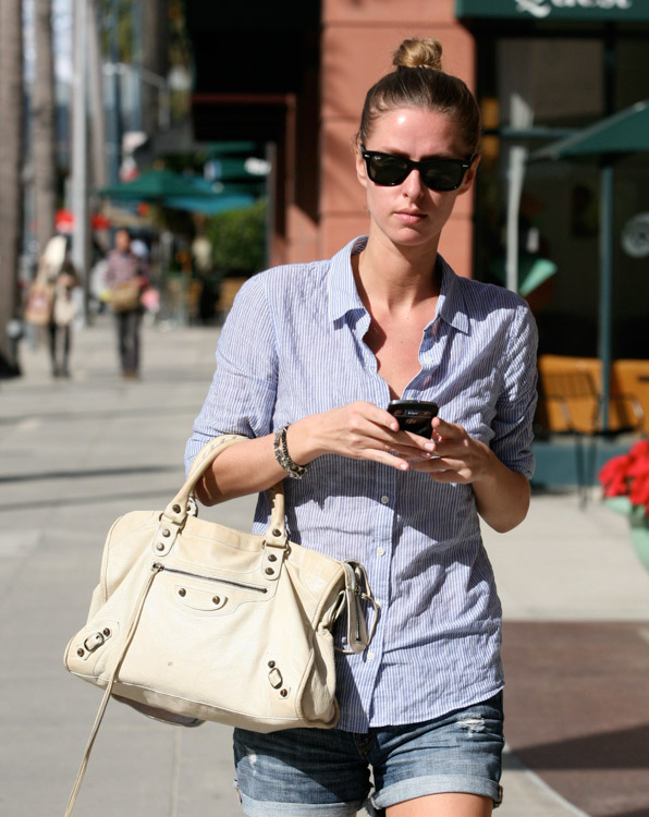 The Many Bags of Nicky Hilton-35