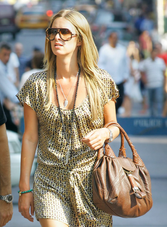 The Many Bags of Nicky Hilton-9