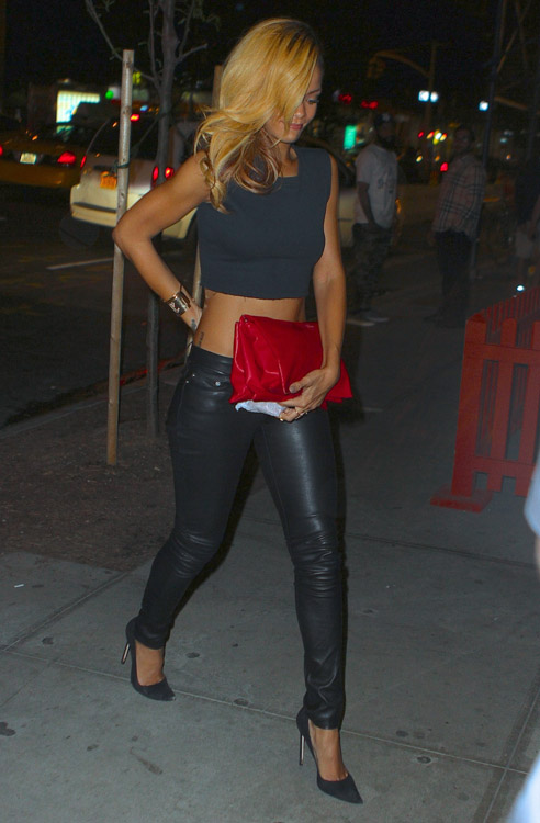 Rihanna carries a Celine Rolled Trio Clutch in NYC (1)