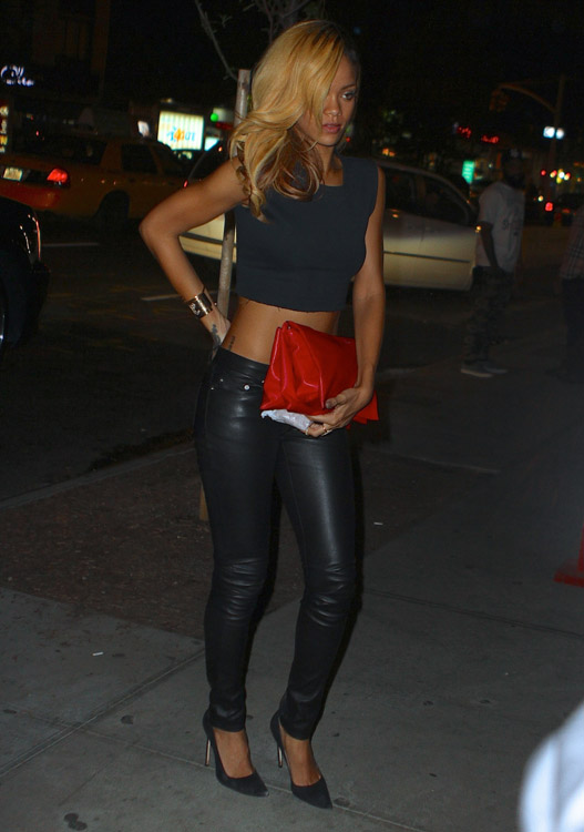 Rihanna carries a Celine Rolled Trio Clutch in NYC (4)