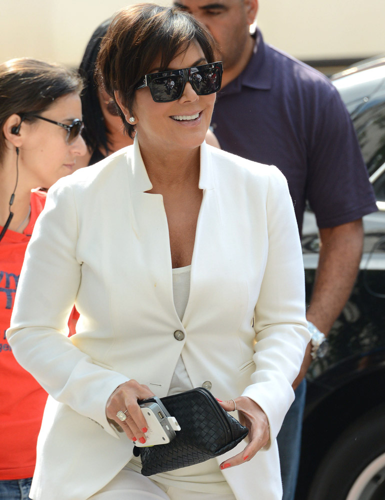 The Many Bags of Kris Jenner-44