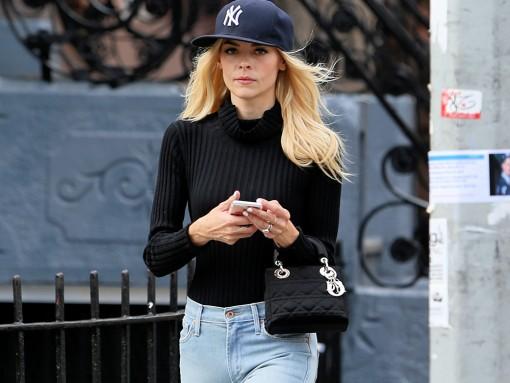 Jaime King Hops on the Dior Handbag Bandwagon