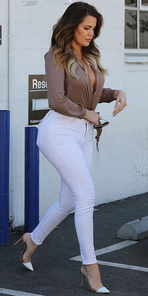 The-Many-Shoes-of-Khloe-Kardashian_10