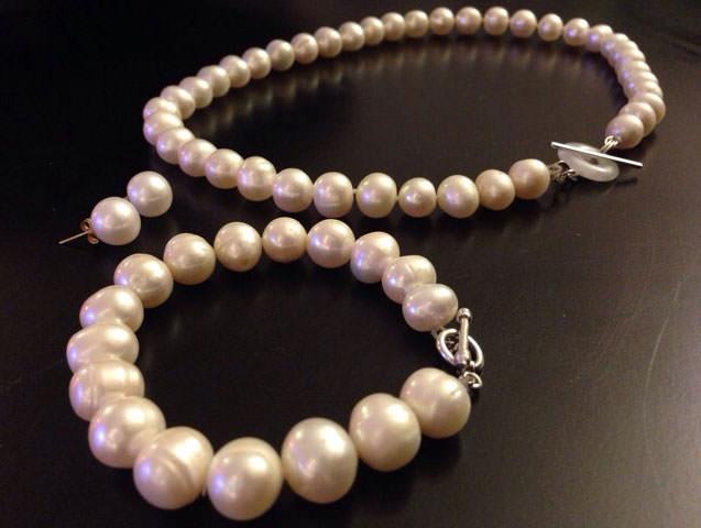 Pearl-Bracelet-and-Necklace-Set