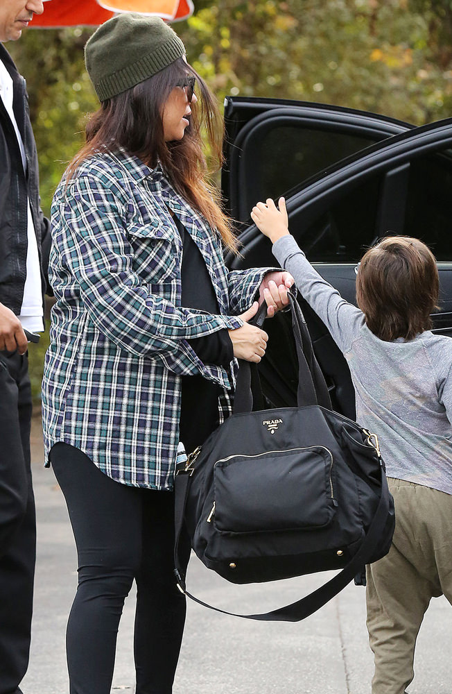 Kourtney Kardashian out for breakfast with her kids in Calabasas***NO DAILY MAIL SALES***