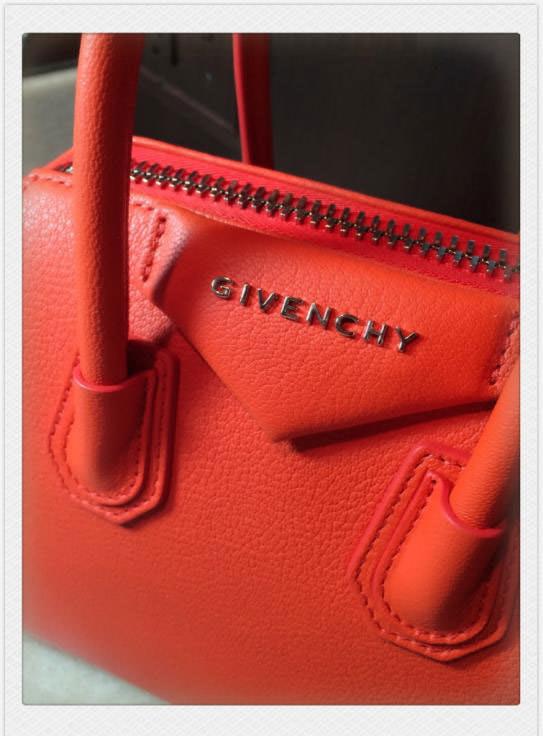 Givenchy-Antigona-Tag