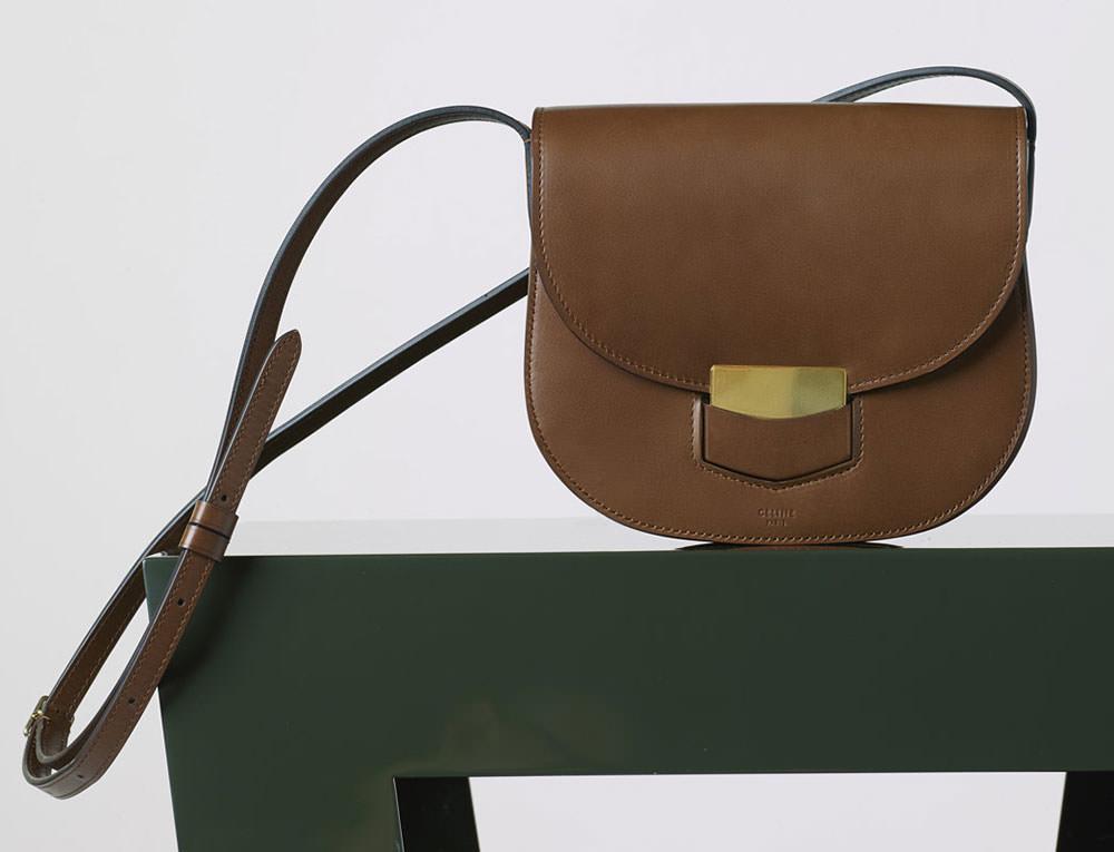 Celine-Small-Trotteur-Shoulder-Bag-Chestnut