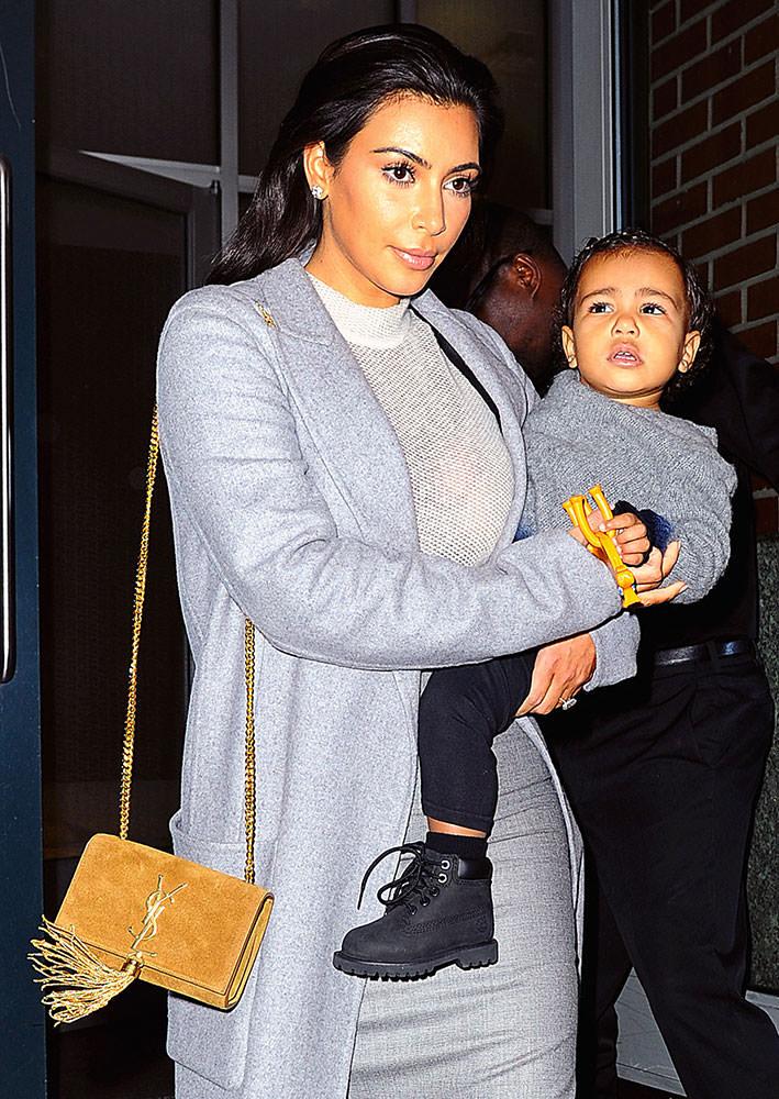 Kim-Kardashian-Saint-Laurent-Monogramme-Shoulder-Bag