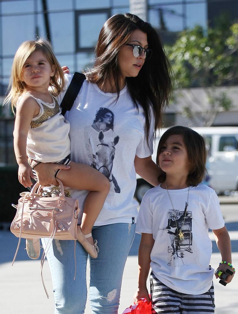 Kourtney-Kardashian-Balenciaga-Mini-City-Bag