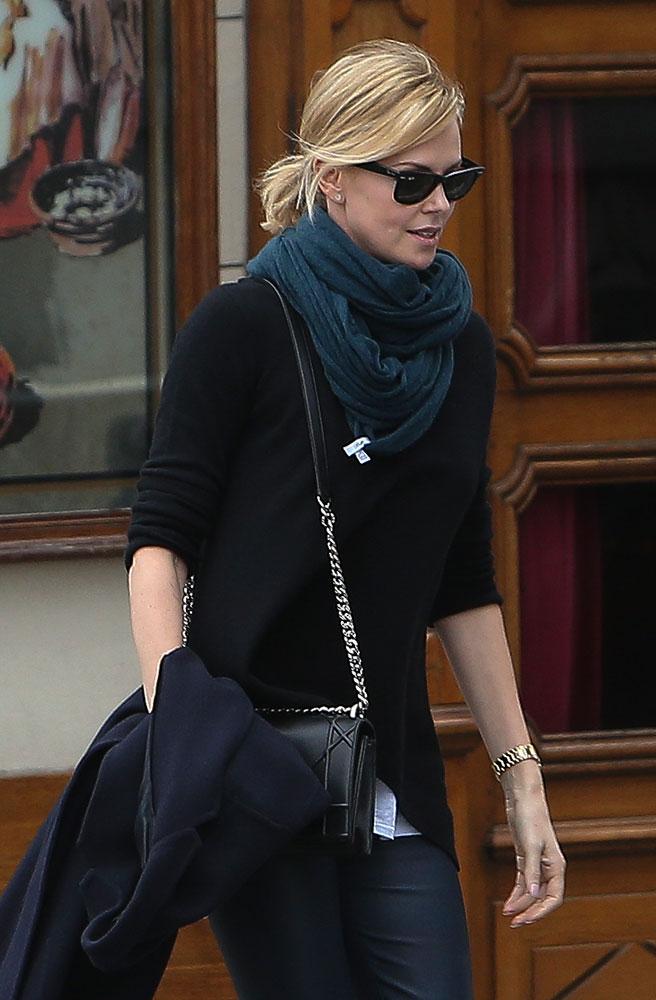 Charlize-Theron-Christian-Dior-Diorama-Bag