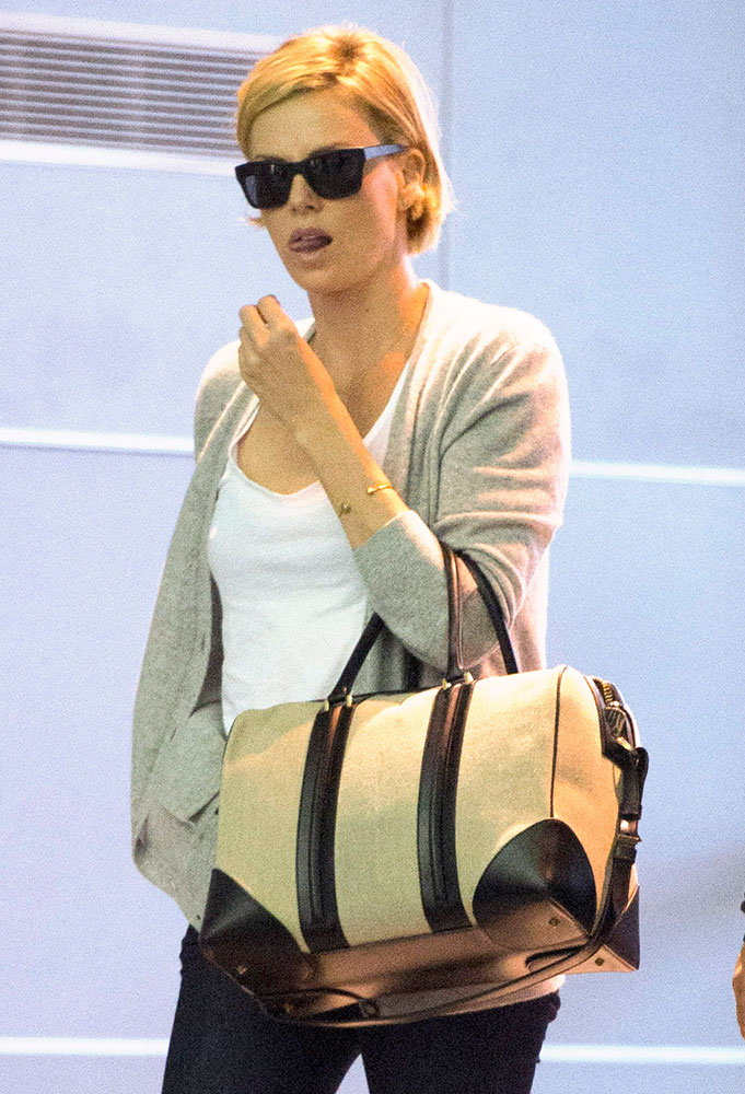 Charlize-Theron-Givenchy-Lucrezia-Weekender