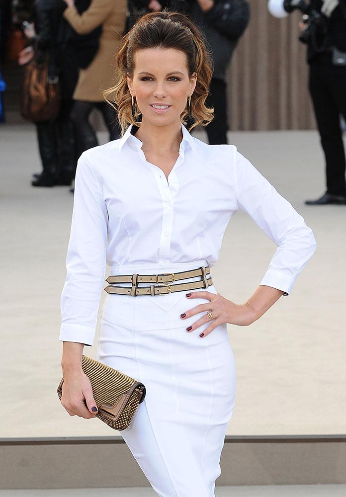 Kate-Beckinsale-Burberry-Prorsum-Clutch