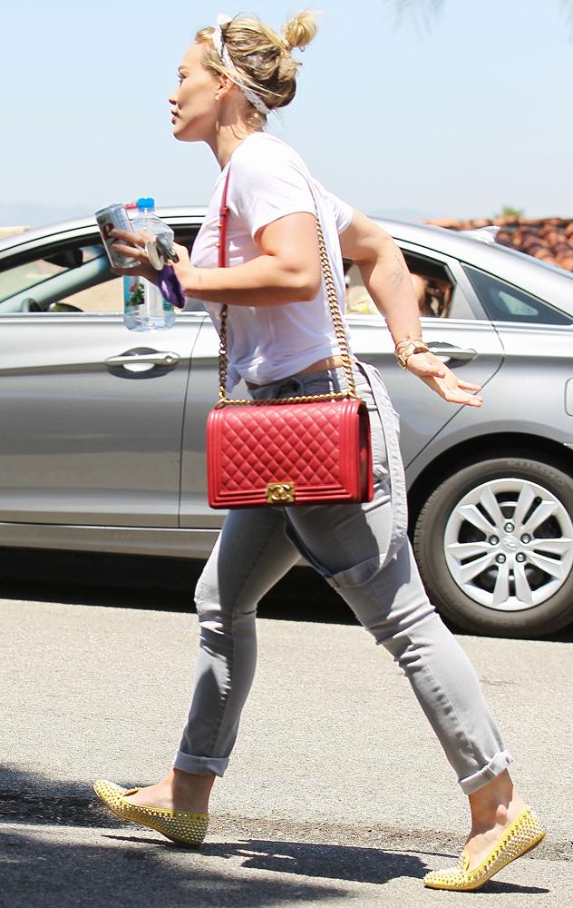 Hilary-Duff-Chanel-Flap-Bags-20