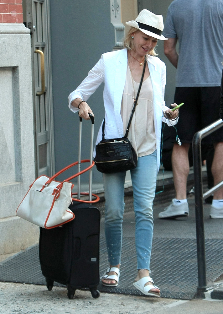 Naomi-Watts-Givenchy-Mini-Pandora-Bag-2