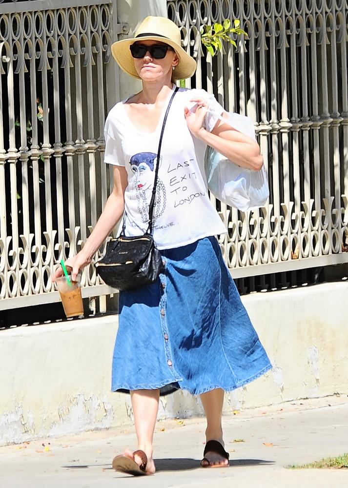 Naomi-Watts-Givenchy-Mini-Pandora-Bag-3