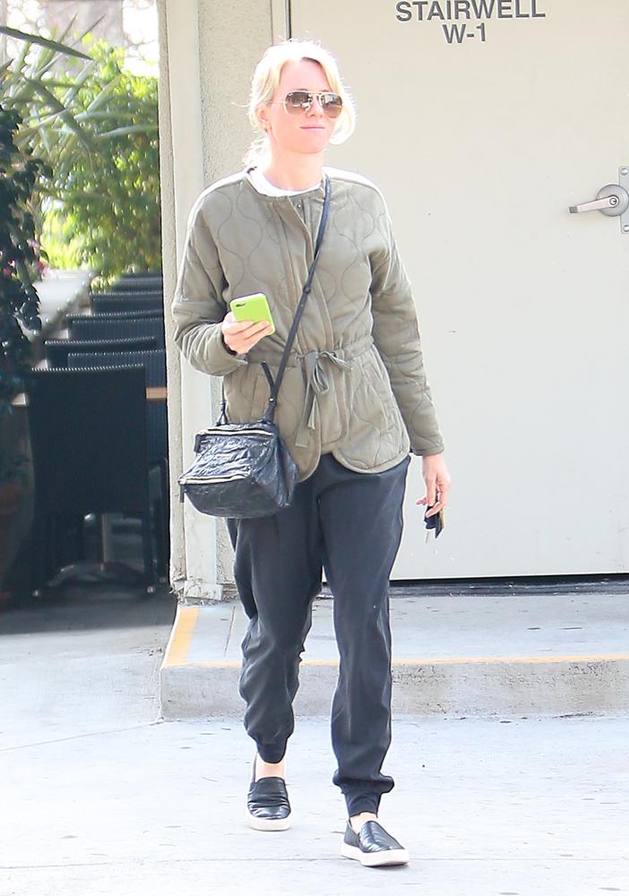 Naomi-Watts-Givenchy-Mini-Pandora-Bag-5