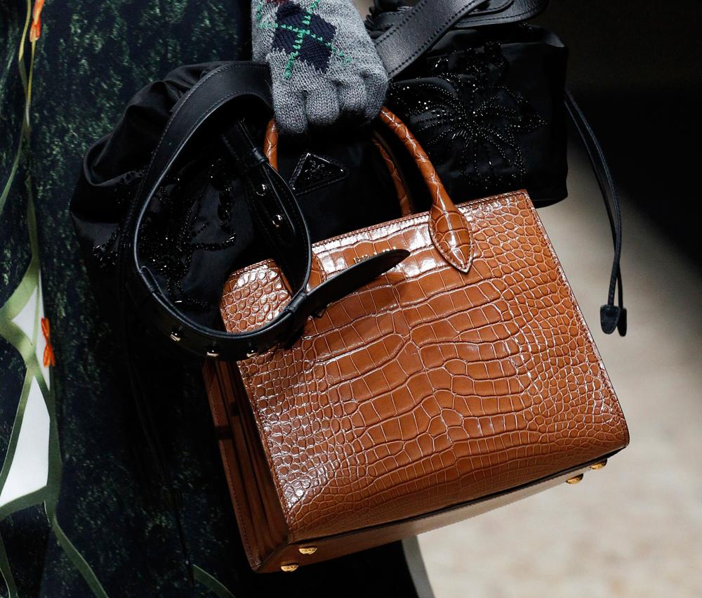 Prada-Fall-2016-Bags-32