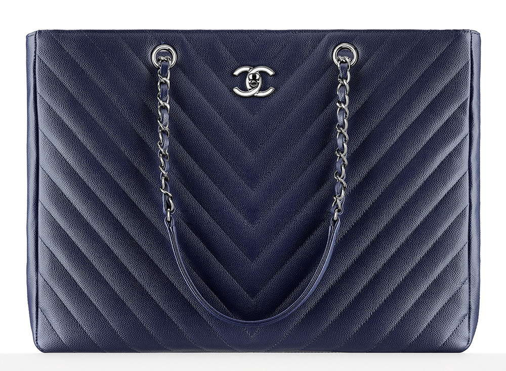 Chanel-Large-Chevron-Shopping-Bag-4600