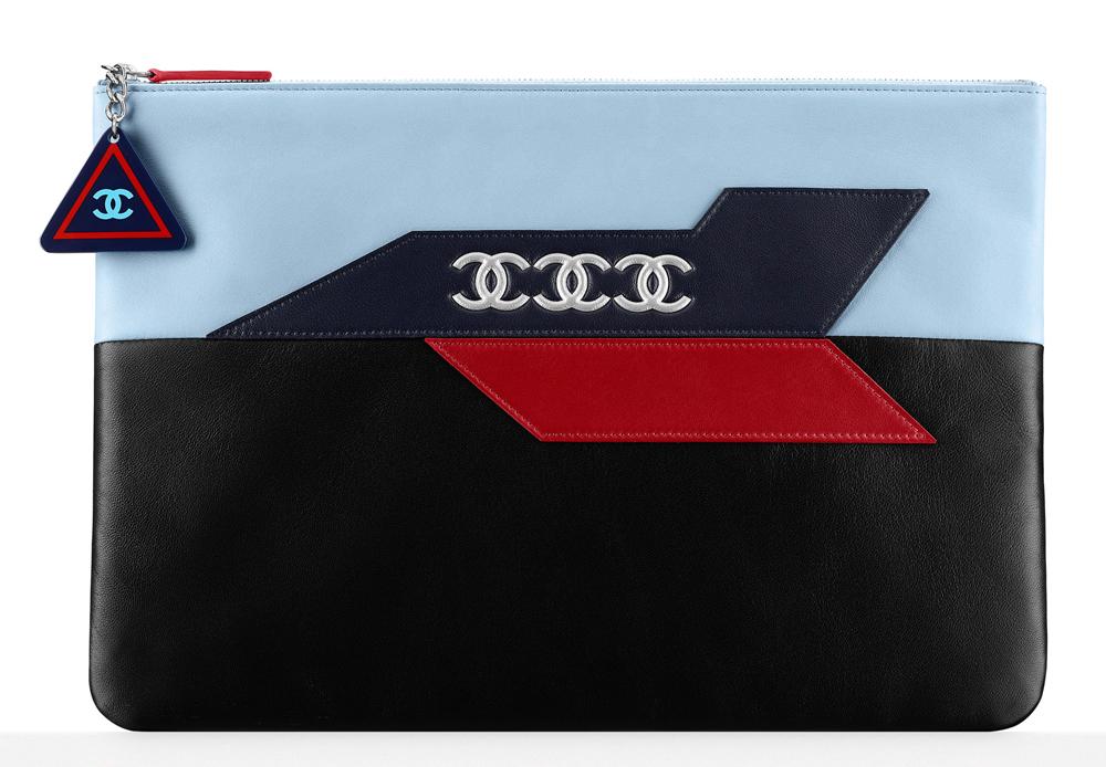 Chanel-Large-Lambskin-Zipper-Pouch-1075