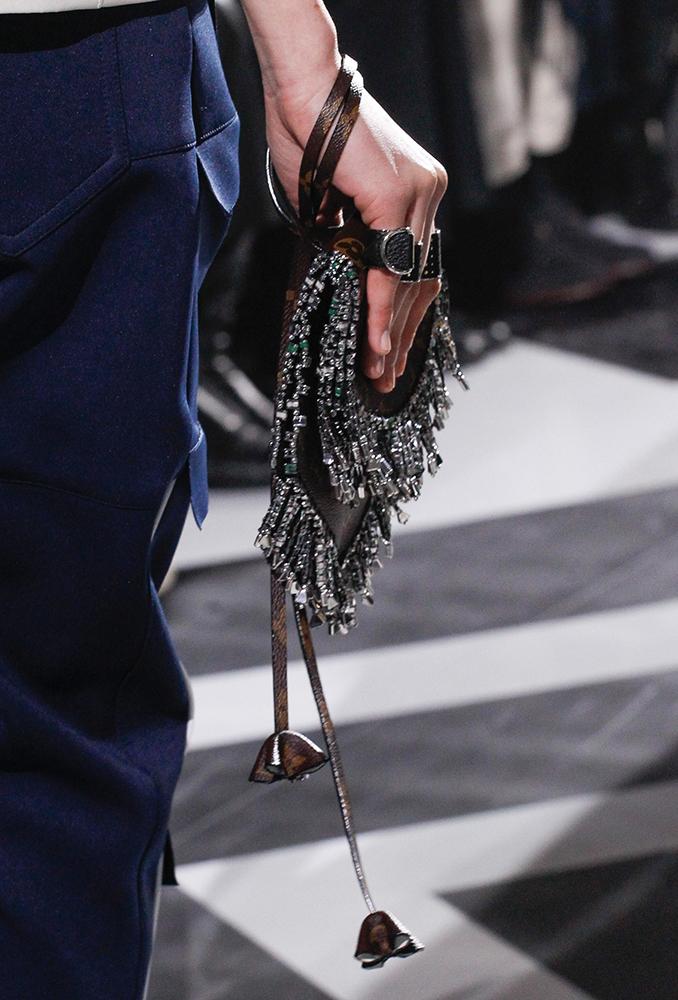 Louis-Vuitton-Fall-2016-Bags-11