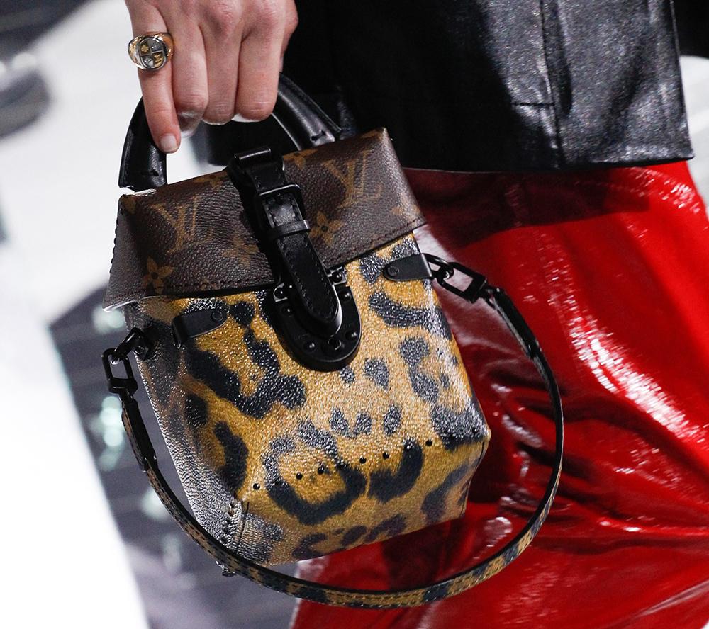 Louis-Vuitton-Fall-2016-Bags-12