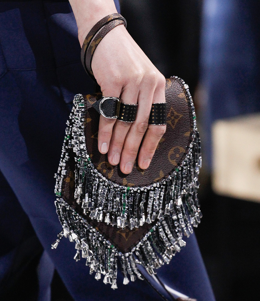 Louis-Vuitton-Fall-2016-Bags-16