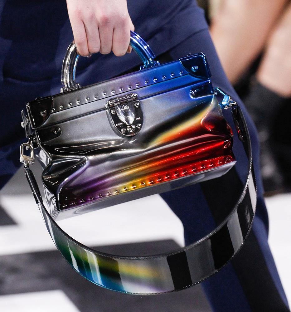Louis-Vuitton-Fall-2016-Bags-21