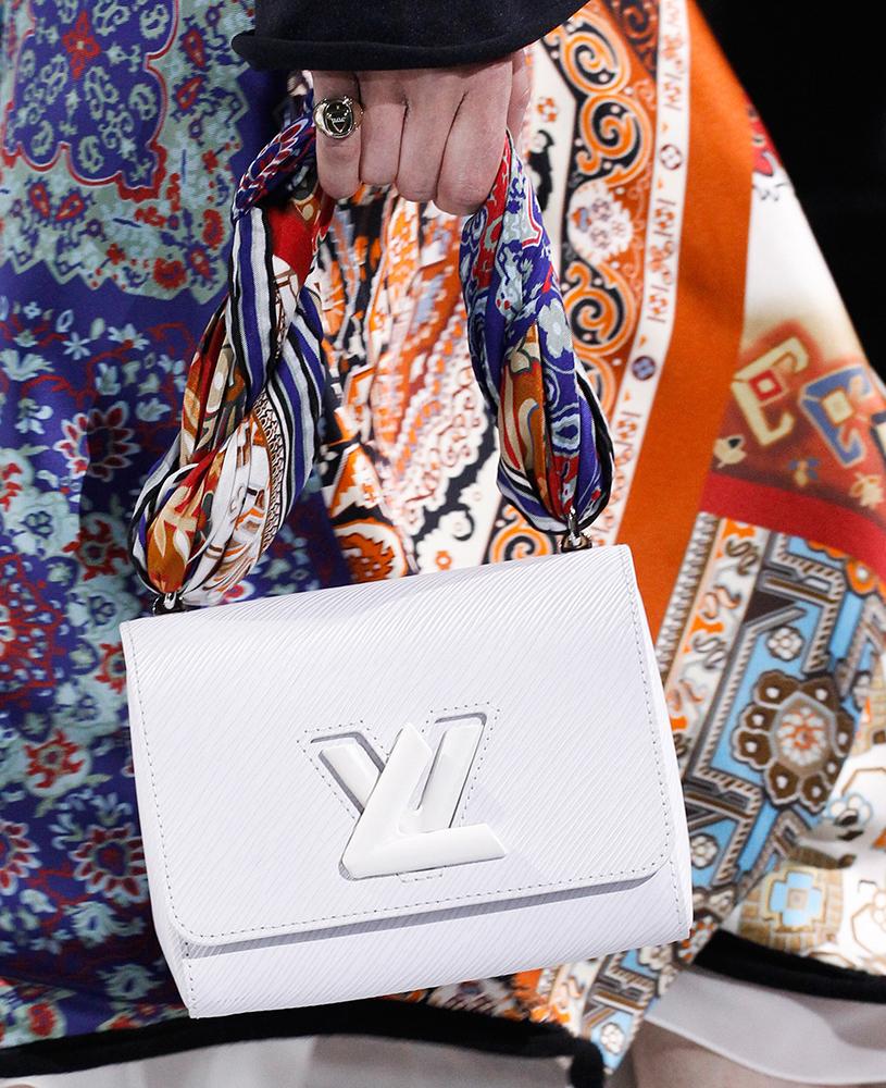 Louis-Vuitton-Fall-2016-Bags-36