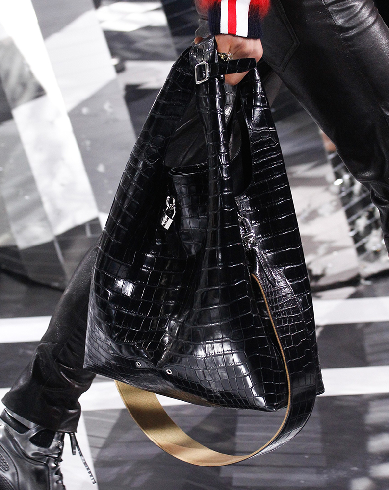 Louis-Vuitton-Fall-2016-Bags-37