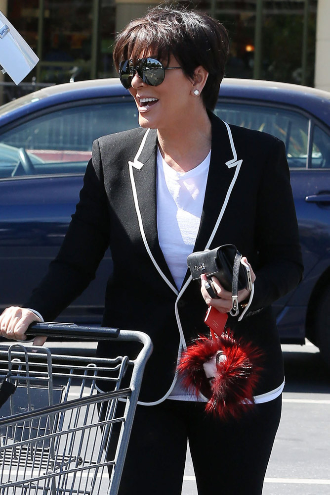 Kris-Jenner-Hermes-Kelly-Long-Wallet