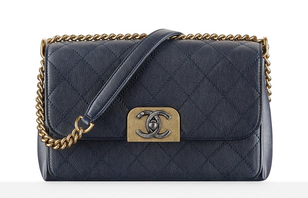 chanel-flap-bag-navy-3400