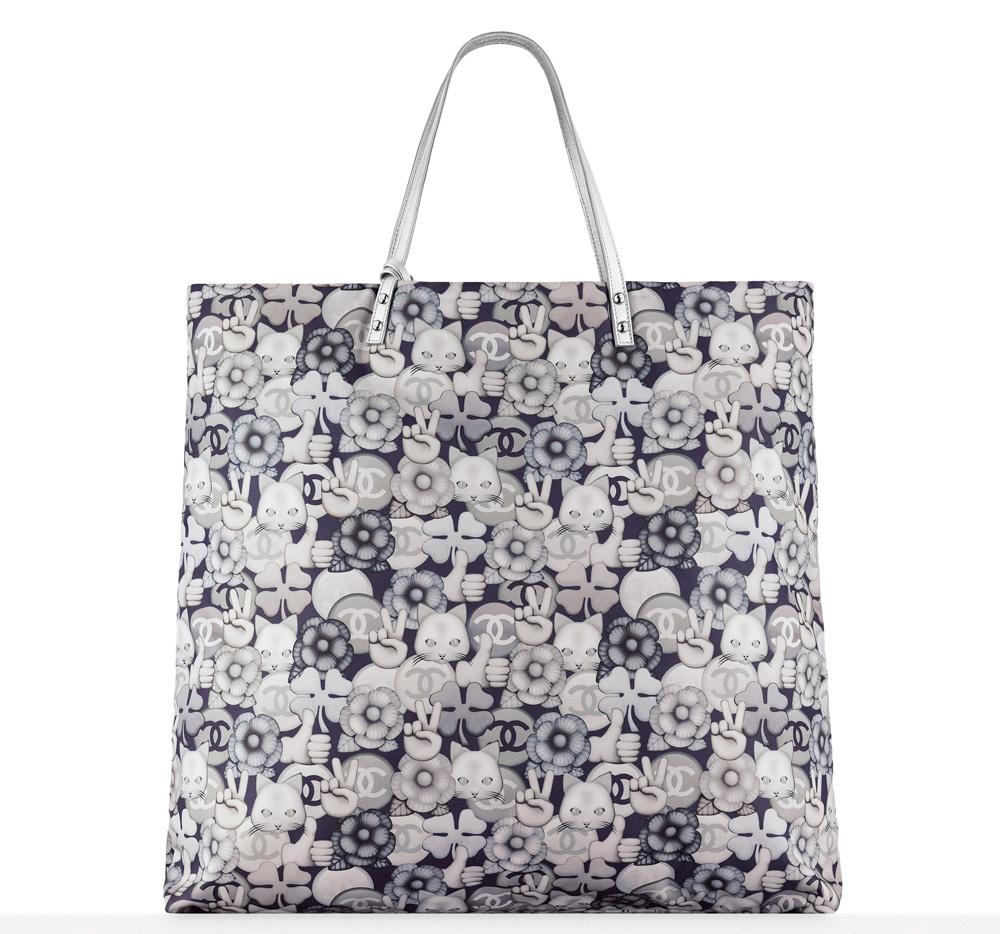 chanel-small-shopping-bag-emoji-1600