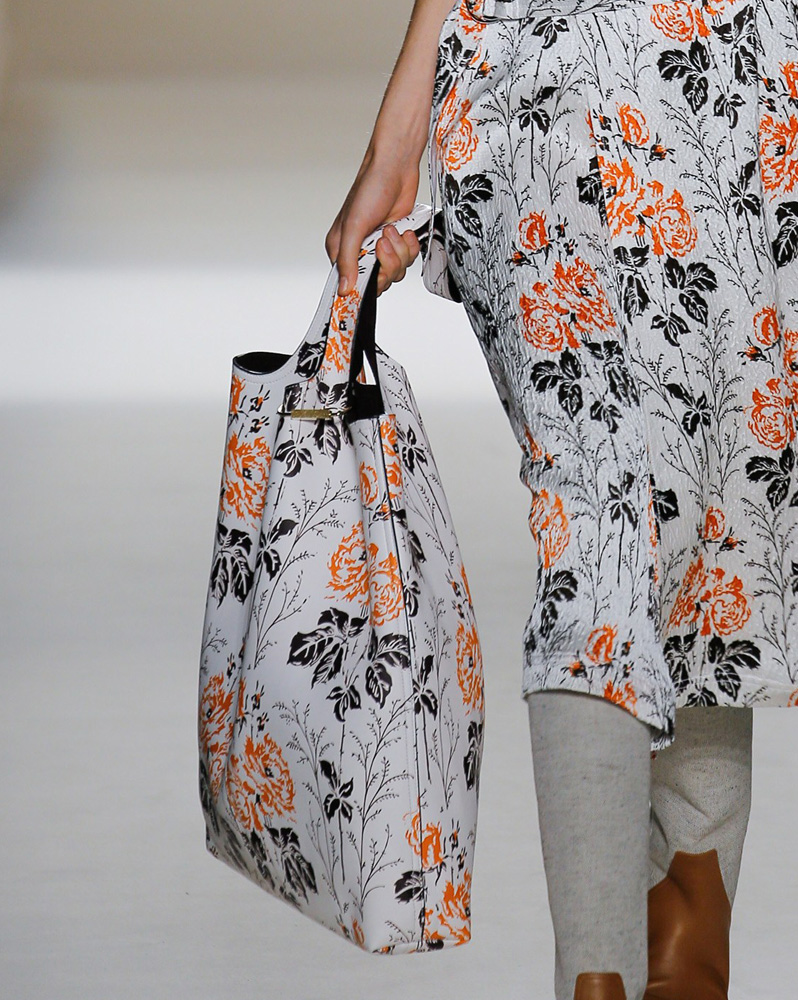 victoria-beckham-spring-2017-bag