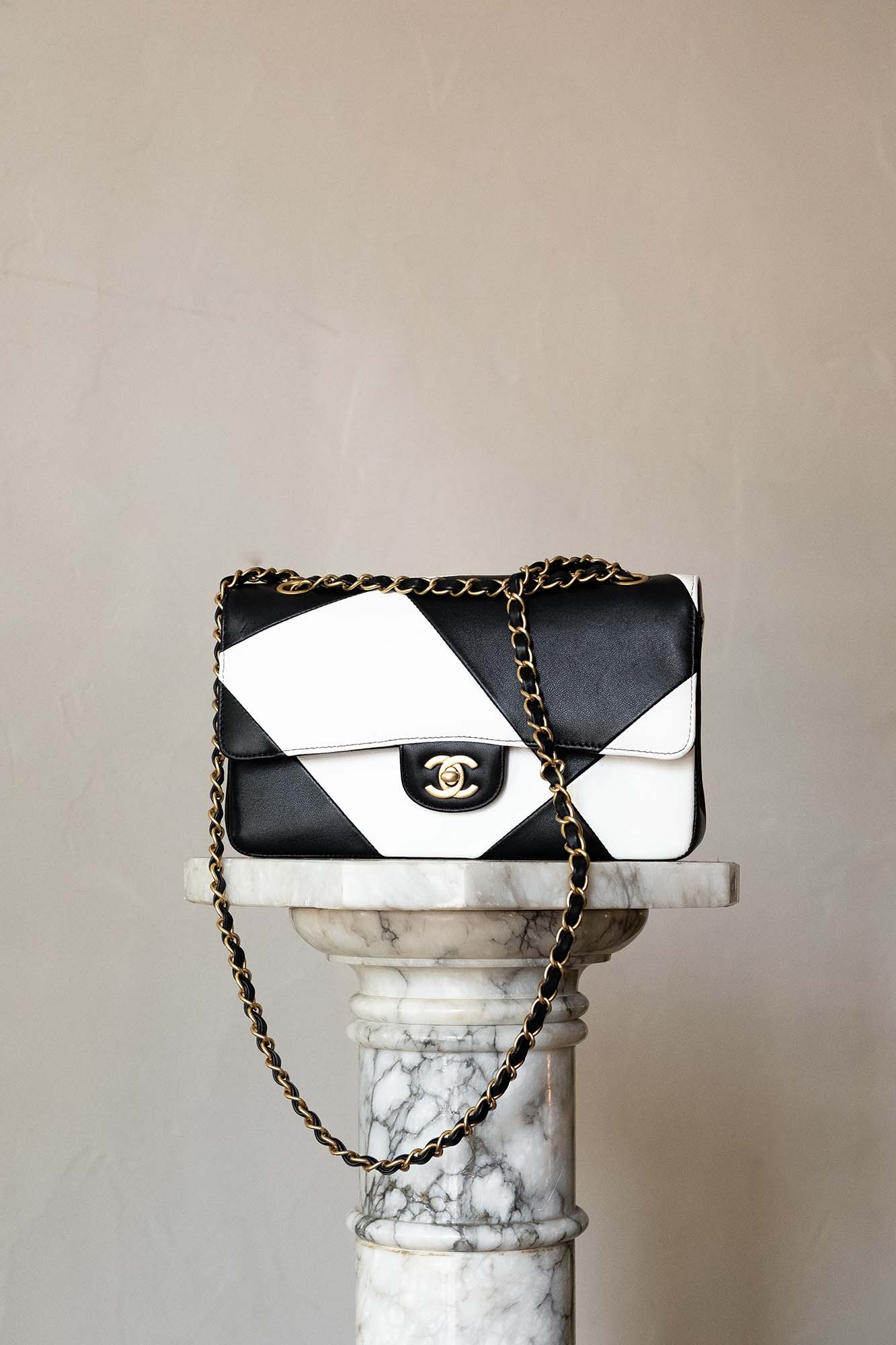 Chanel Classic Flap in Black and White, Hardware